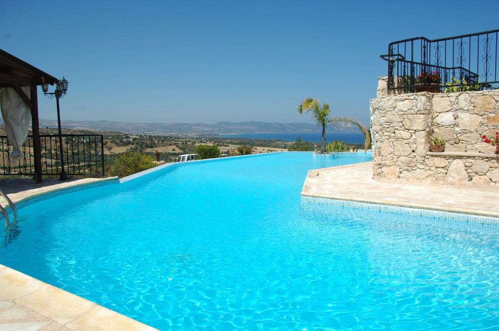 Ferienhaus castle in argaka polis zypern for Ferienhaus zypern